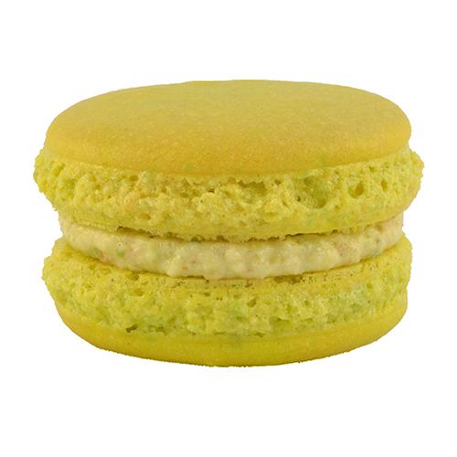 Macaron pistache pâtisserie artisanale réalisé à St Laurent Royans