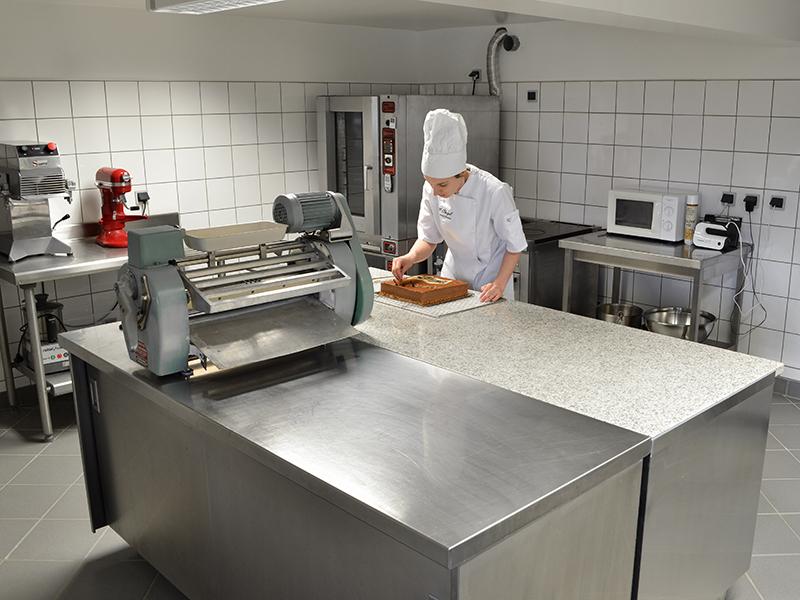 Atelier de pâtisserie Artisan Pâtissier Cluzel