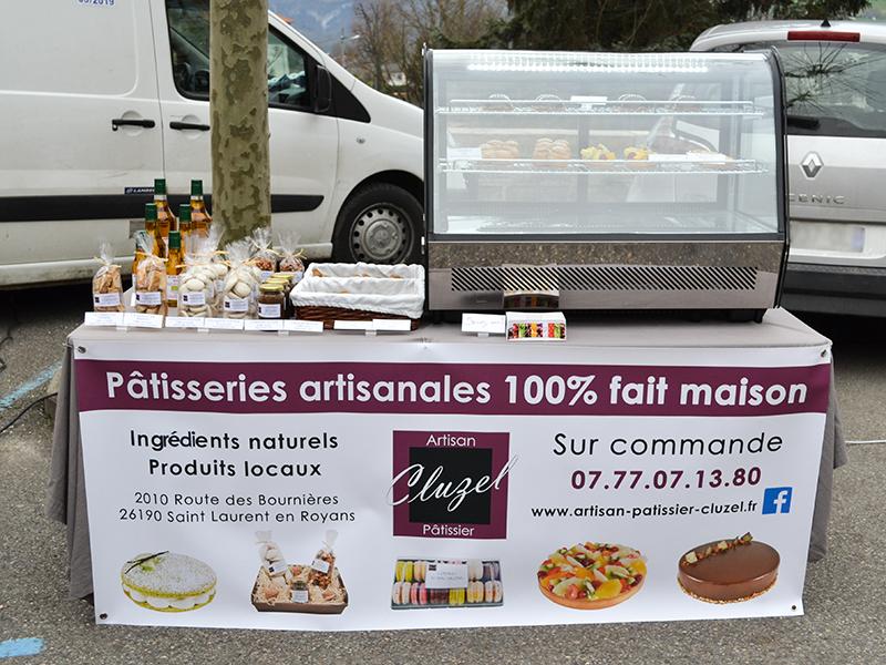 Stand marché Saint Jean en Royans Cluzel artisan patissier